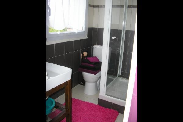 Salle D'eau  wc prive - Chambre d'hôtes - Paimpol