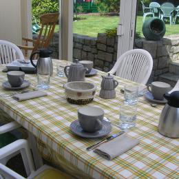 Petit  D'ejeuner veranda - Chambre d'hôtes - Paimpol