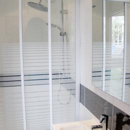La Maison de Brique - salle d'eau WC - Chambre d'hôte - Paimpol