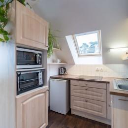 espace chambre avec placard et penderie - Location de vacances - Trévou-Tréguignec