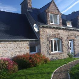 la maison,façade Sud,le jardin et la terrasse - Location de vacances - Paimpol