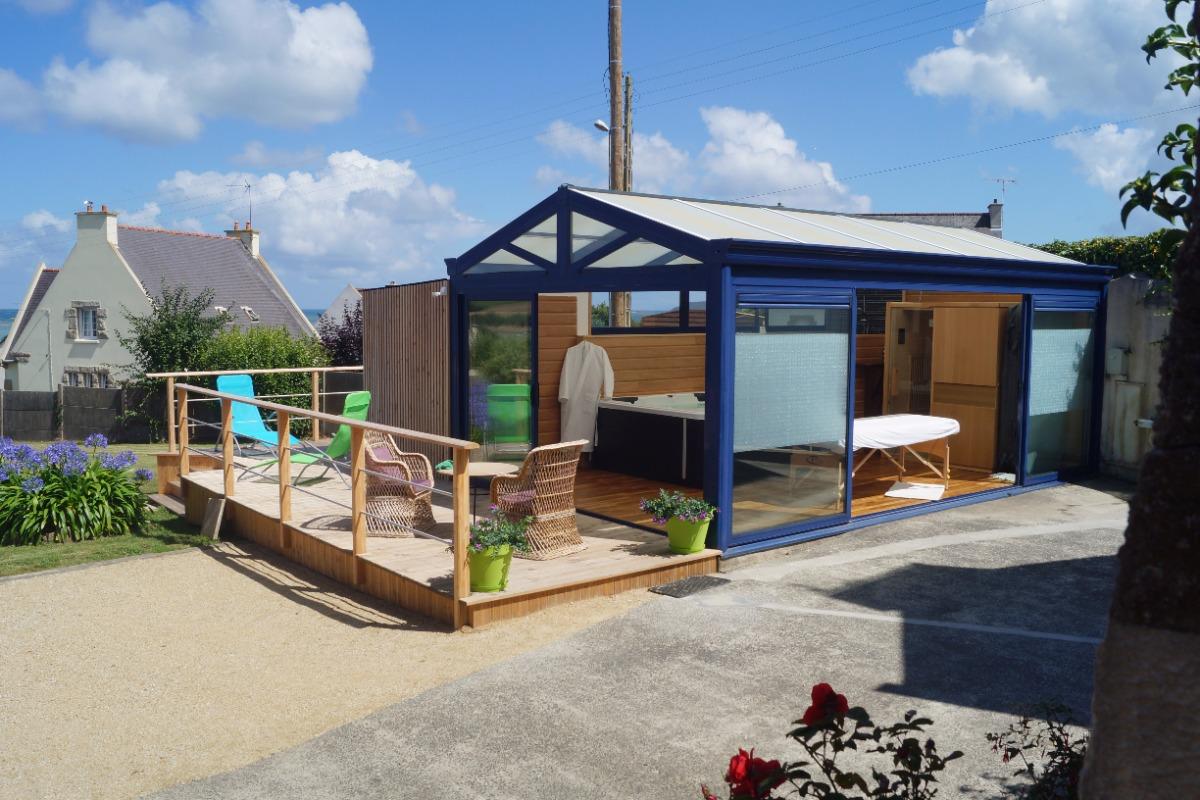 Un petit bain de soleil sur la terrasse du SPA - Chambre d'hôtes - Paimpol