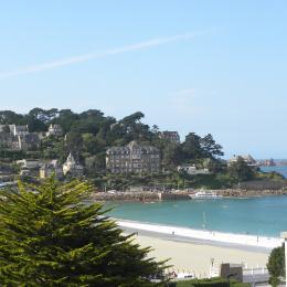 MENES location Perros-Guirec Séjour-salon avec vue panoramique sur la mer - Location de vacances -