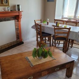 cuisine ouverte sur le salon- salle à manger - Location de vacances - Plouisy