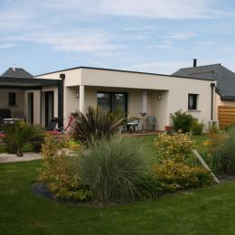 maison avec jardin paysagé exposé Sud - Location de vacances - Ploubalay