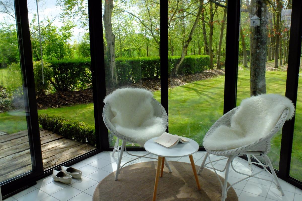Le salon-véranda de la suite Café - Location de vacances - Plélan-le-Petit