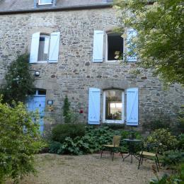 salon bibliothèque - Chambre d'hôtes - Broons