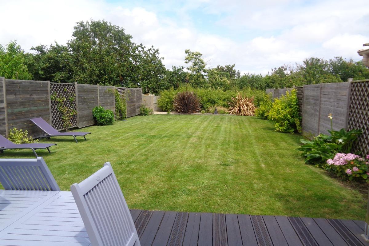 le jardin et la terrasse - Location de vacances - Paimpol