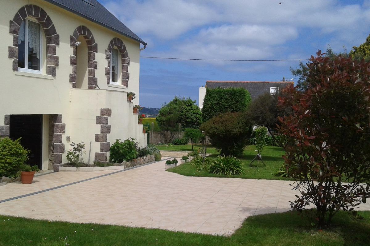 Appartement au RDC de la maison, vue extérieure, Plourivo - Location de vacances - Plourivo