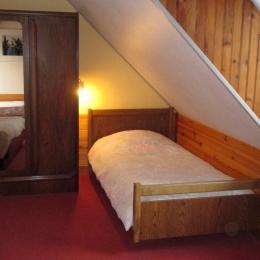 Gîte Rose, ferme de Kerloury, étage, chambre 2 - Location de vacances - Paimpol