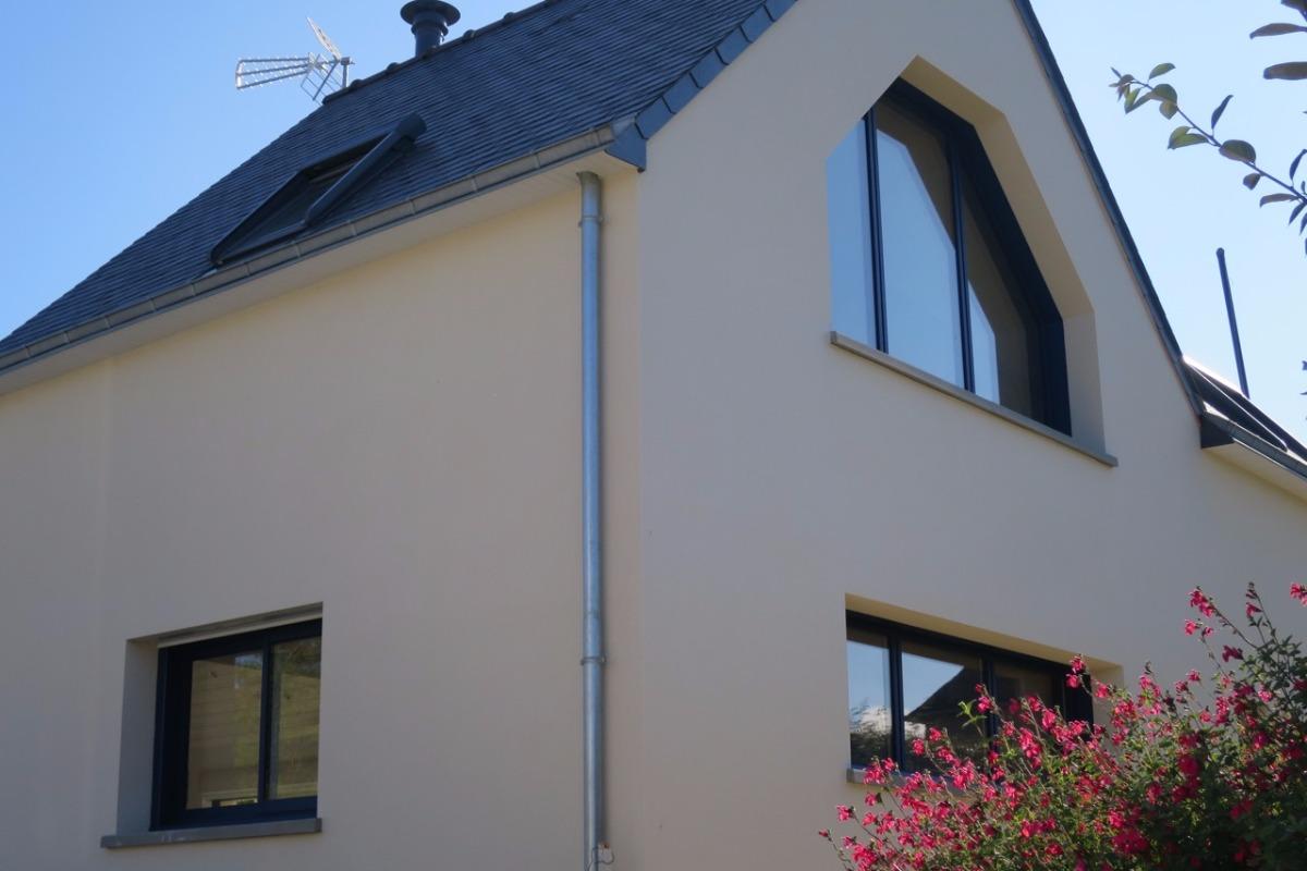 Pour des vacances réussies, façade d'une maison moderne et toute équipée à 100m de la plage - Location de vacances - Saint-Jacut-de-la-Mer
