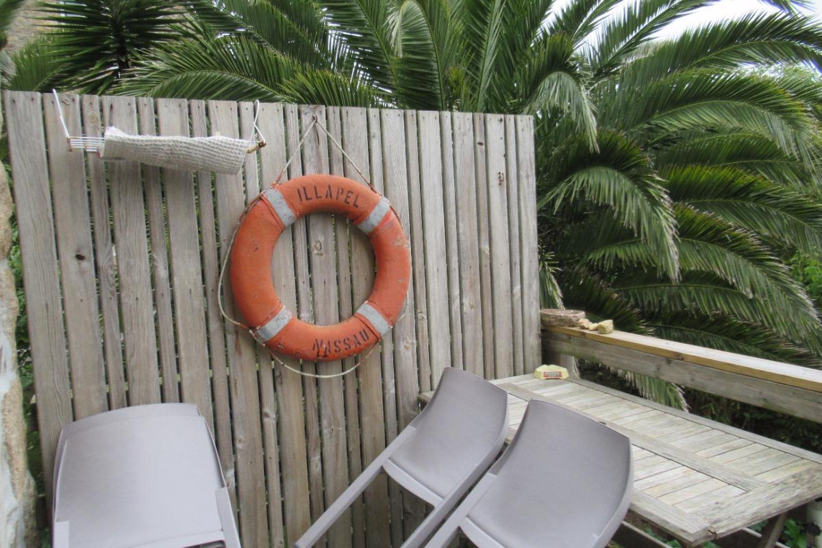 maison ind pendante les pieds dans l 39 eau pour 4 personnes location vacances perros guirec. Black Bedroom Furniture Sets. Home Design Ideas
