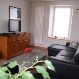 L'une des chambres de l'étage avec 2 lits de 90 - Location de vacances - Paimpol