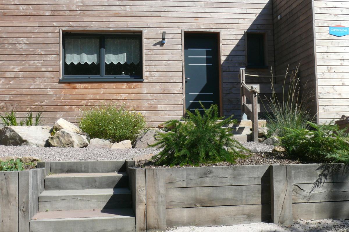 Terrasse privative sous les pins - Location de vacances - Erquy