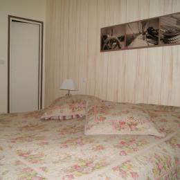 salon-séjour - grande baie vitrée - Location de vacances - Perros-Guirec