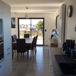 Intérieur de la maison, espace séjour - Location de vacances - Pleubian