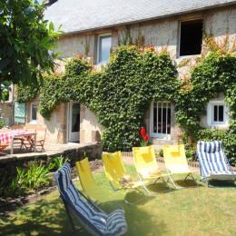 La maison vue du jardin - Location de vacances - Pleumeur-Bodou
