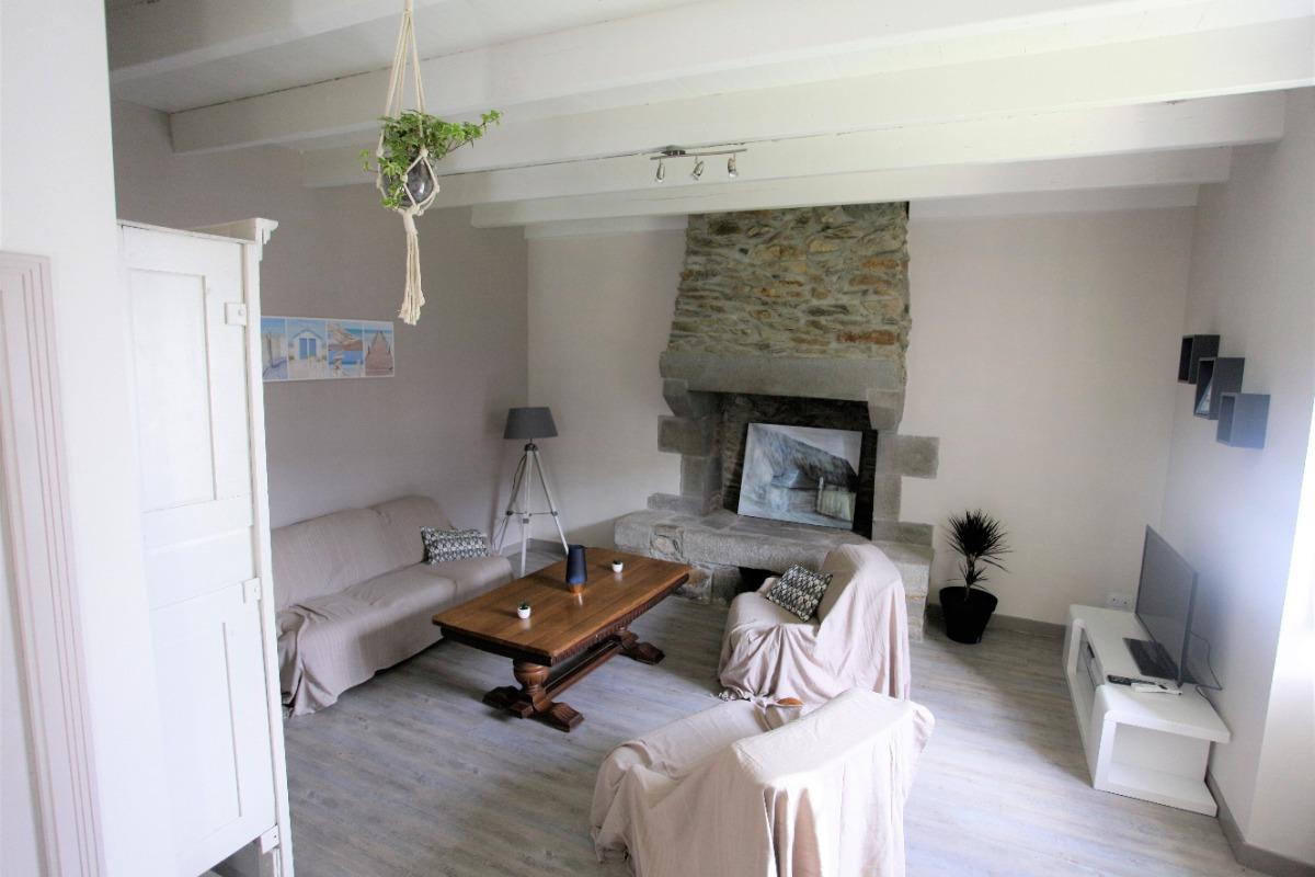 Location Langoat, le salon au RDC - Location de vacances - Langoat