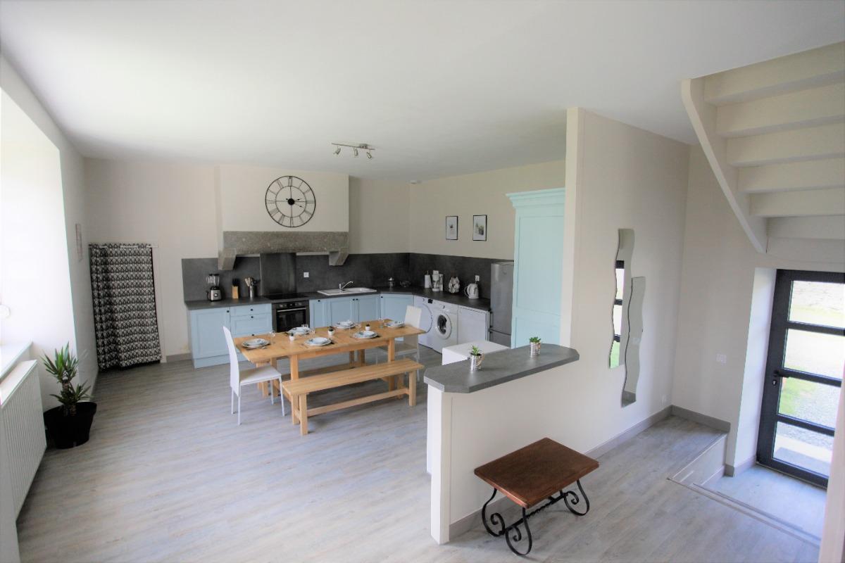 Location Langoat, le séjour-cuisine au RDC - Location de vacances - Langoat