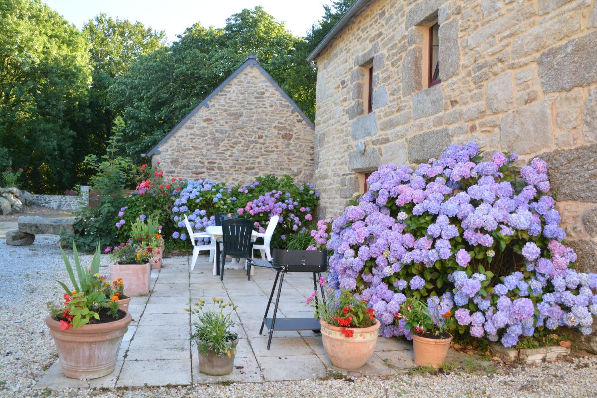 terrasse coté sud  - Location de vacances - Saint-Gilles-Pligeaux
