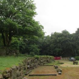 Le village de Kertanguy, Le refuge de la Chouette sur la gauche - Location de vacances - Saint-Gilles-Pligeaux