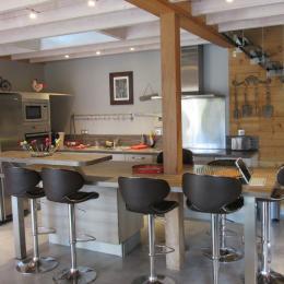 Cuisine américaine toute équipée - Location de vacances - Brusvily