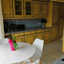Appartement Paimpol - Cuisine sous un autre angle - Location de vacances - Paimpol