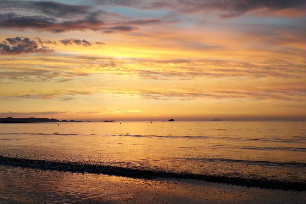 Levé de soleil vue de l'appartement - Location de vacances - Trévou-Tréguignec