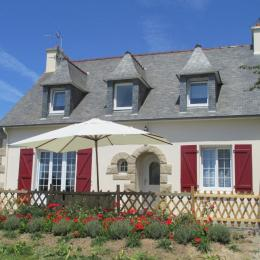 Vue extérieure de la maison, côté jardin, Poésies des étoiles, Ploubazlanec, Côtes d'Armor, Bretagne - Location de vacances - Ploubazlanec