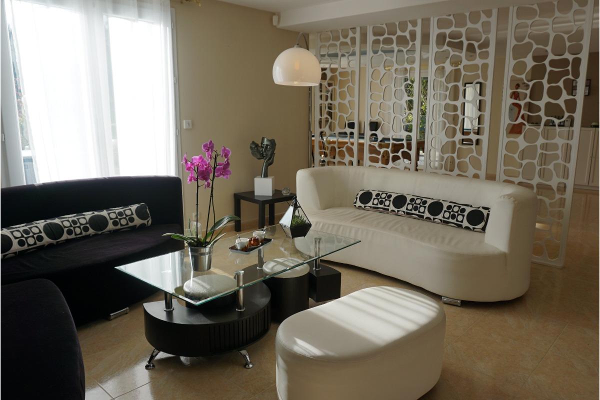 café et détente au salon - Chambre d'hôtes - Pléguien