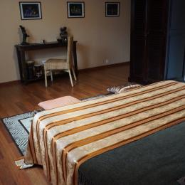 une chambre très spacieuse - Chambre d'hôtes - Pléguien