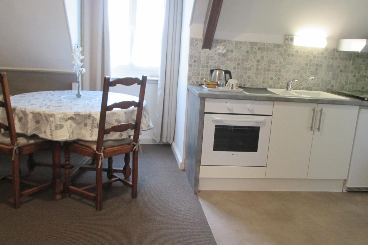 Hauvet-Popoudrenko, Suite chambres d'hôtes Batzt - Clévacacances, 2ème étage, espace cuisine - Chambre d'hôtes - Paimpol