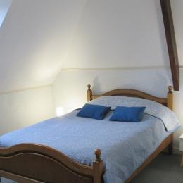 Hauvet-Popoudrenko, Suite chambres d'hôtes Batzt - Clévacacances, 2ème étage, espace chambre - Chambre d'hôtes - Paimpol