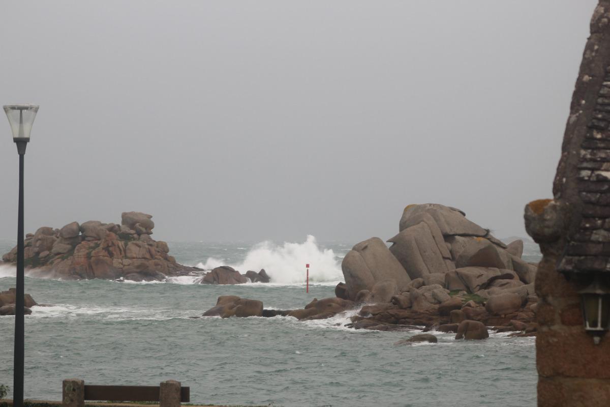 Vue du jardin - tempête - Location de vacances - Perros-Guirec