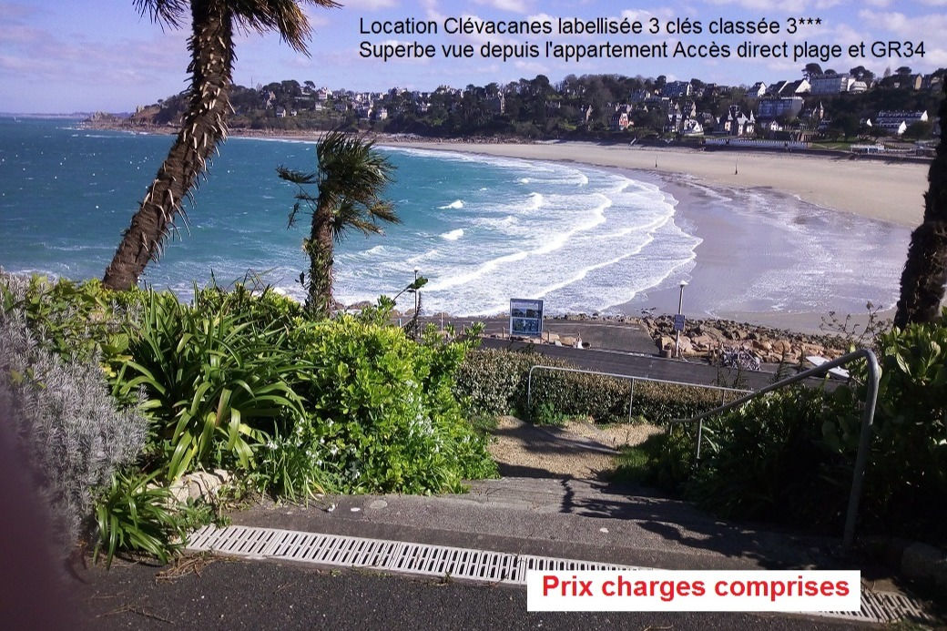 Vue sur mer depuis la porte d'entrée de l'appartement - Location de vacances - Perros-Guirec