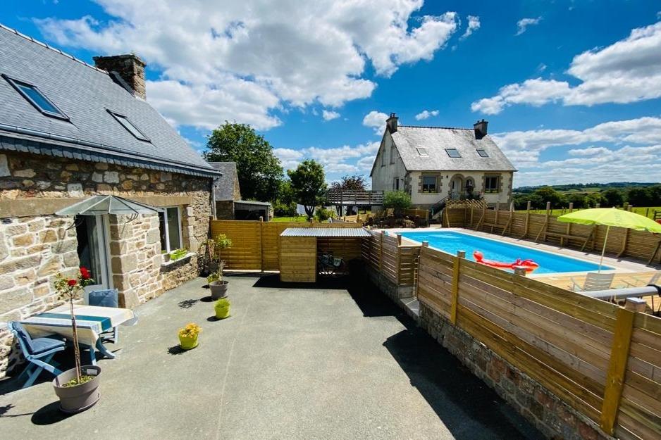 le gite avec la piscine - Location de vacances - Bourbriac