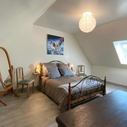 la chambre parentale avec lit de 140x190 - Location de vacances - Bourbriac