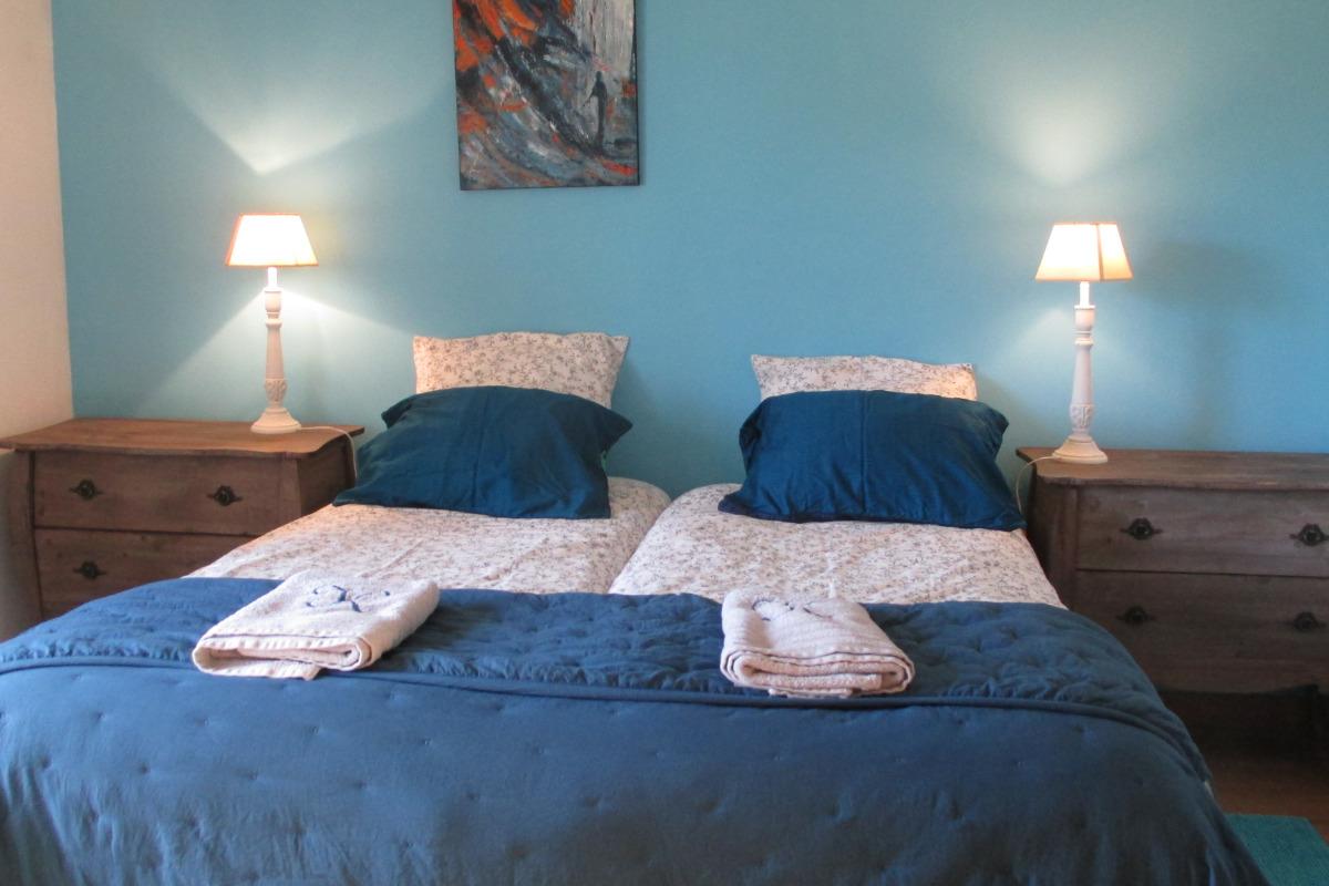 Chambre d'hôtes, Plouëc du Trieux, Clévacances, chambre avec 2 lits de 80 jumelables en 1 160 - Chambre d'hôtes - Plouëc-du-Trieux