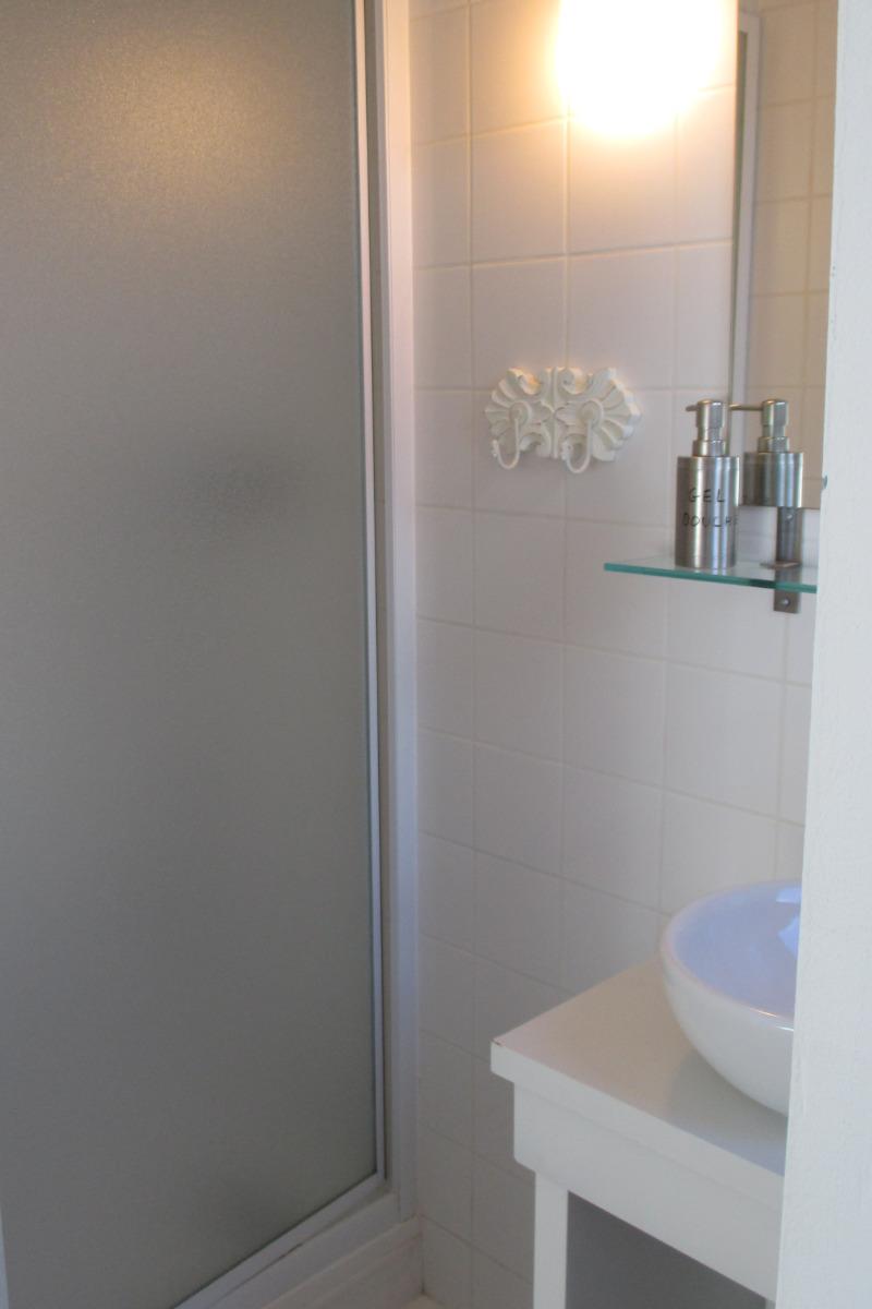 Chambre d'hôtes, Plouëc du Trieux, Clévacances, salle d'eau WC avec douche - Chambre d'hôtes - Plouëc-du-Trieux