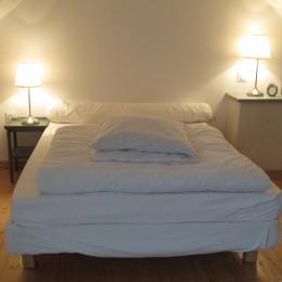 Clévacances, location Quemper-Guezennec, Le Cain, chambre mezzanine - Location de vacances - Quemper-Guézennec