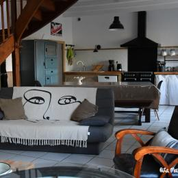La maison d'Anne-Marie, location Clévacances, Saint-Clet, salon-séjour - Location de vacances - Saint-Clet