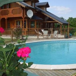 Location de vacances Chalet Le Myosotis  avec piscine privée chauffée, idéal pour les enfants, Vallée des Peintres en Creuse - Location de vacances - Naillat
