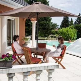 Gîte des Chaussades Villa avec piscine et tennis privés à Gouzon en Creuse - Location de vacances - Gouzon