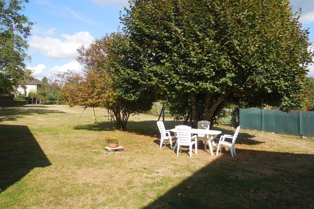 le jardin à l'arrière de la maison - Location de vacances - Saint-Georges-la-Pouge