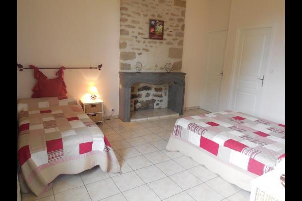 Bel appartement de 50 m² pouvant accueillir 5 personnes, situé aux portes des Combrailles, au deuxième étage du Château de la Mothe - Location de vacances - Mérinchal