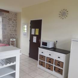 Château de Mérinchal - Appartement n° 59 - Venez vivre la vie de château dans un appartement du Château de la Mothe (XIIe siècle) en Creuse (limite Puy-de-Dôme)  - Location de vacances - Mérinchal