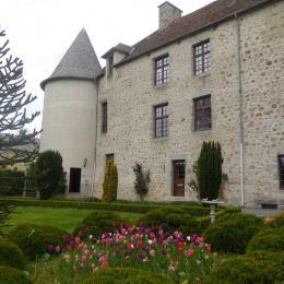 Château de Mérinchal - Appartement n° 60 - Venez vivre la vie de château dans un appartement du Château de la Mothe (XIIe siècle) en Creuse (limite Puy-de-Dôme)  - Location de vacances - Mérinchal