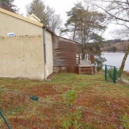 vue sur petite terrasse - Location de vacances - Royère-de-Vassivière