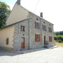Spacieux gîte dans une maison du XIXème siècle rénovée, 12 personnes en Creuse - Location de vacances - La Serre-Bussière-Vieille