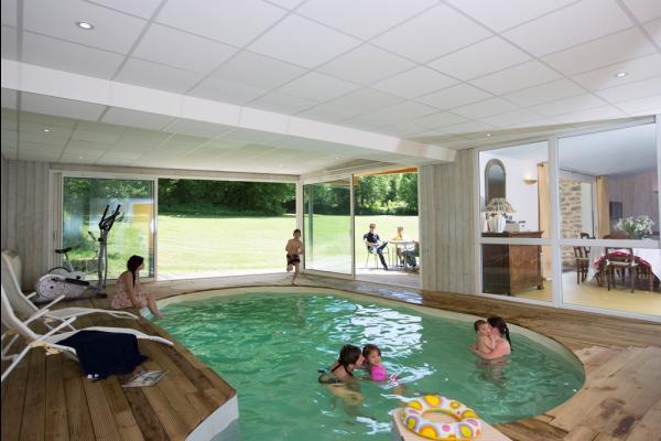 G te avec piscine int rieure chauff e et spa 4 chb 8 pers - Location maison avec piscine couverte ...